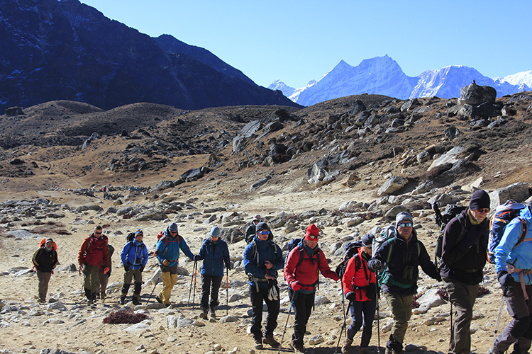 Team walking towards Renjo Pass
